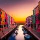 Itialiaans dorp met zonsondergang